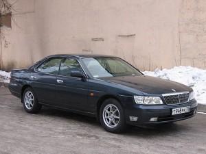 500px-2000_Nissan_Laurel_01